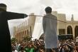 Tội phạm hiếp dâm ở Indonesia: Phạt 150 roi,  kiểm tra sức khỏe rồi đánh tiếp