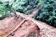 Trực thăng thả hơn 1,5 tấn hàng cứu trợ dân vùng lũ ở Quảng Trị