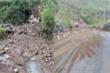 Mưa lớn làm sạt lở đất đá, quốc lộ ở Lai Châu tê liệt