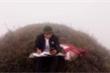 Nam sinh Đại học Thương mại leo đồi 7 km mỗi ngày để học online