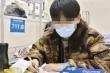 Học sinh Trung Quốc nhiễm Covid-19 miệt mài ôn thi trong bệnh viện