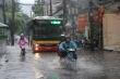 Sau nắng nóng như đổ lửa, Hà Nội sắp đón mưa to gió lớn