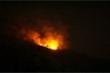 Cháy lớn trên đỉnh núi Sọ ở Đà Nẵng, lực lượng chức năng chưa thể tiếp cận