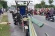 Điều tra vụ va vào xe ba bánh chở tôn, bé gái 13 tuổi chết thương tâm