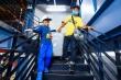 Video: Hành khách bức xúc khi leo lầu 5 đón xe công nghệ ở sân bay Tân Sơn Nhất