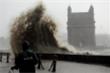 Ấn Độ: Siêu bão mạnh nhất 20 năm đổ bộ, 21 người thiệt mạng