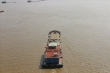 Bị xử phạt, chủ tàu cát sông Hồng: 'Không chở quá tải không có gì mà ăn'