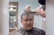 Clip: Khách tức phát khóc khi gặp phải thợ cắt tóc 'lầy'