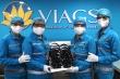 Vietnam Airlines: Hãng hàng không đầu tiên khử khuẩn tai nghe bằng tia cực tím