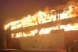 Xe khách giường nằm bốc cháy ngùn ngụt trên đường vành đai 3