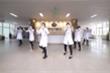Video: Y bác sĩ Bệnh viện K nhảy vũ điệu 'Ghen Cô Vy'