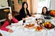 Cuộc sống của nữ ca sĩ Hồng Nhung và cặp song sinh bên Mỹ