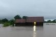 Mưa lớn kéo dài, di dời khẩn cấp nhiều hộ dân ở Đắk Lắk
