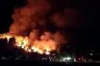 Cháy rừng ở Nghệ An: Ngọn lửa cao hàng chục mét, di dời 200 hộ dân