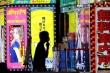 Thanh niên Nhật lao đến phố đèn đỏ mua vui, bất chấp COVID-19