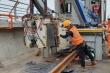 Cận cảnh ghép nối ray bằng công nghệ tối tân nhất thế giới ở tuyến đường sắt Nhổn - ga Hà Nội
