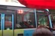 Xử lý tài xế xe buýt và lái xe GrabBike chốt cửa đánh nhau sau va chạm