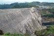 Quảng Nam: Nứt đập thủy điện, nước chảy xối xả