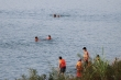 Dân Hòa Bình vô tư tắm ngay khu vực cấm trên sông Đà