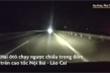 Hai ôtô chạy ngược chiều trên cao tốc Nội Bài - Lào Cai