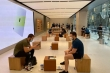 COVID-19 hoành hành khiến Apple Store đìu hiu trong ngày mở bán iPhone 12