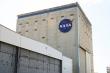 Kỹ sư nhiễm virus corona, NASA đóng cửa cơ sở thử nghiệm, lắp ghép tên lửa