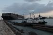 Vừa có chút hy vọng, chiến dịch giải cứu tàu kẹt ở kênh Suez lại vấp 'đá tảng'