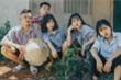 Ấn tượng bộ ảnh kỷ yếu phong cách 1977 Vlog của học sinh Đắk Lắk