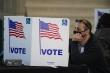 Mỹ: Các điểm bầu cử đầu tiên đóng cửa, cuộc chiến kiểm phiếu gay cấn bắt đầu