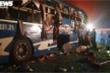 Hiện trường lật xe khách ở Thái Bình khiến gần 20 người bị thương
