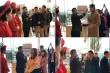 Khách đến dự đám cưới mùa dịch corona vui vẻ xếp hàng, đo thân nhiệt