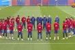 Video: Messi và các cầu thủ Barca mặc niệm Maradona
