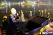 Ảnh: 200 công nhân trắng đêm ngâm mình nạo vét Hồ Gươm