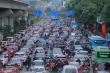 Ngày đầu đi làm sau kỳ nghỉ Tết, người Hà Nội chật vật trong cảnh tắc đường