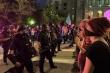 Tòa án Mỹ lệnh cảnh sát ngừng bắn đạn nhựa, hơi cay vào người biểu tình