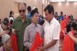 Video: Ông Đoàn Ngọc Hải mua bún bò Huế, tặng quà cho hội người mù tại Hà Nội
