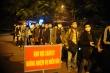 Ảnh: Đón đoàn người đầu tiên về khu cách ly tại ký túc xá Đại học FPT