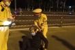 Video: 'Quái xế' phi thẳng xe vào CSGT nhưng bị quật ngã tại chỗ
