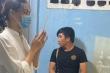 Hoa hậu Lương Thuỳ Linh đến viếng bé trai tử vong vì cây phượng bật gốc