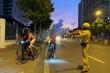 Đạp xe tập thể dục buổi sáng vào đường cấm, bị CSGT phạt vẫn nói tôi biết luật