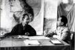 Chủ tịch Hồ Chí Minh và Đại tướng Võ Nguyên Giáp trong Chiến dịch Điện Biên Phủ