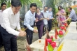 Nguyên Chủ tịch nước Trương Tấn Sang dâng hương ở nghĩa trang Vị Xuyên