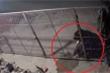 Khởi tố người đàn ông mang xăng đốt nhà hàng xóm ở Hưng Yên