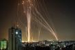 Video: Israel - quân Hamas đấu tên lửa, rocket bay như mưa ở dải Gaza