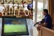 Kiatisak ngồi khách sạn xem học trò thua trận thứ 2, đăng ảnh dàn sao HAGL dự bị