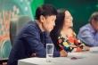 MC Quỳnh Hương bối rối xin lỗi danh ca Tuấn Ngọc