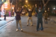 Cán bộ phường Trúc Bạch nhảy 'Ghen Cô Vy' chúc mừng người dân hết cách ly