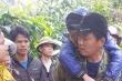 Giải cứu 2 cháu bé bị cha 'ma men' để lạc trong rừng suốt đêm