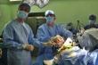Nhờ robot thay khớp gối, bệnh nhân đi lại ngay sau mổ