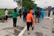 Chặn xe khách chở 30 người ngay tại cửa ngõ Hà Nội